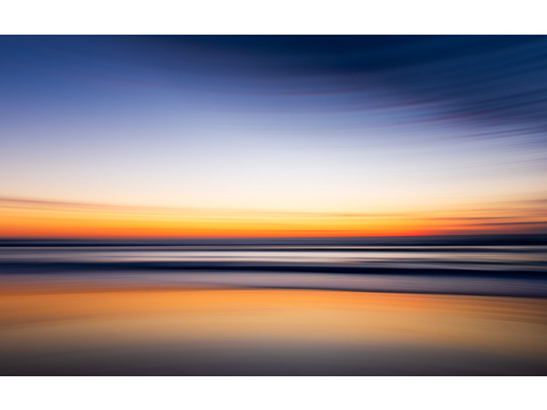 A long exposure panning of a sunset in Hermosa Beach, California